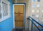8 lakás bejárata